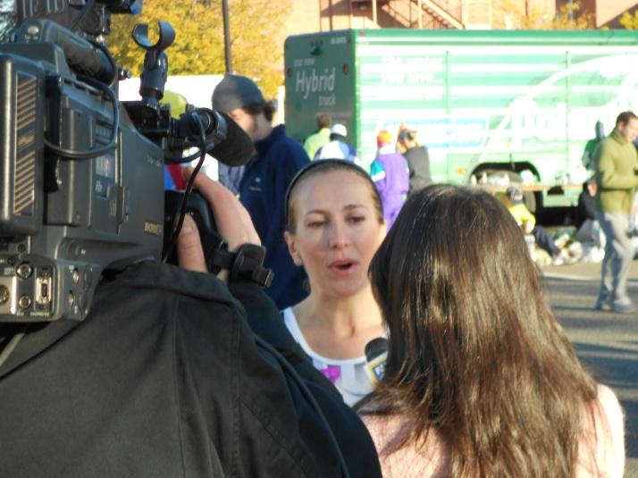 new york city marathon 2011 Footlocker five boro challenge nyrr elizabeth maiuolo ny1 news (4)