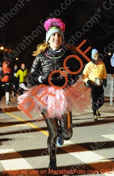 emerald nuts nyrr midnight run central park 2014 (4)