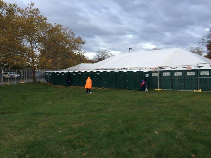 new york city marathon 2014 pictures start athletes village (3)