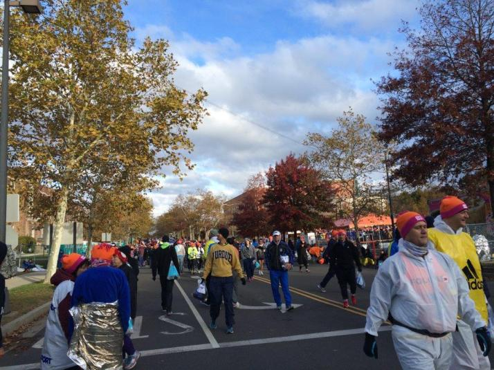 new york city marathon 2014 pictures start athletes village (4)