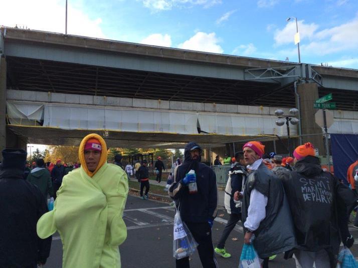 new york city marathon 2014 pictures start athletes village (5)