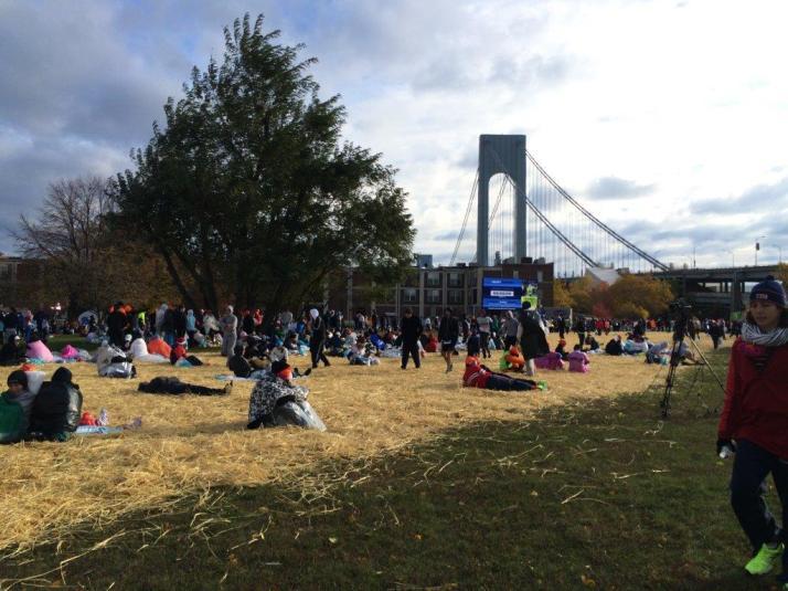 new york city marathon 2014 pictures start athletes village (6)