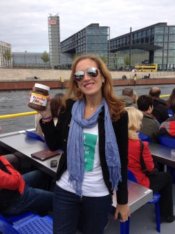 Nutella Carboloading on a tour of Berlin the day before the Marathon...